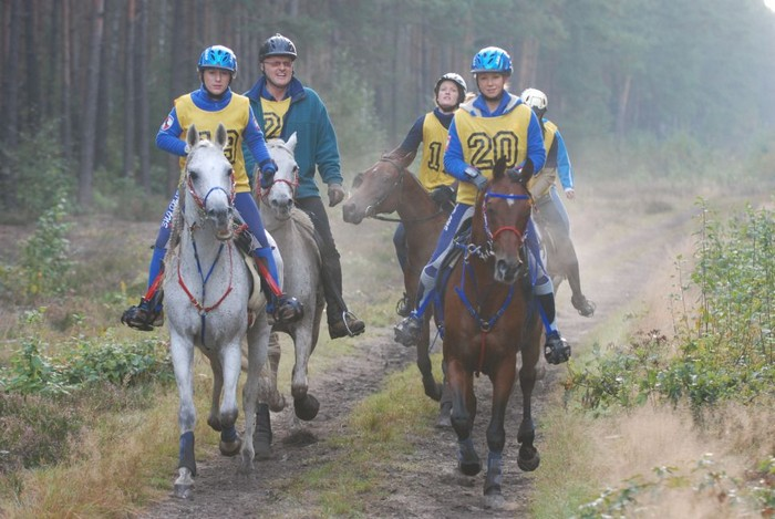 Beata Dzikowska & Cyryl and Kamila Kart & Shanokk are leading, Warka 2007 by Mateusz Jaworski