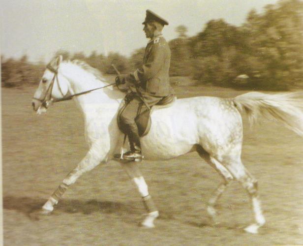 Amurath Sahib pod koniuszym Schultzem, 1943, fot. archiwum