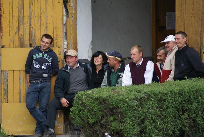 Ekipa Michałowa - odpoczynek po pokazie. Fot. Krzysztof Dużyński