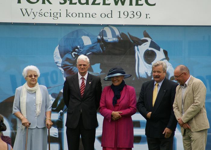 From the left: Izabella Pawelec-Zawadzka, Feliks Klimczak, Magda & Marek Trela and director Włodzimierz Bąkowski. By Krzysztof Dużyński