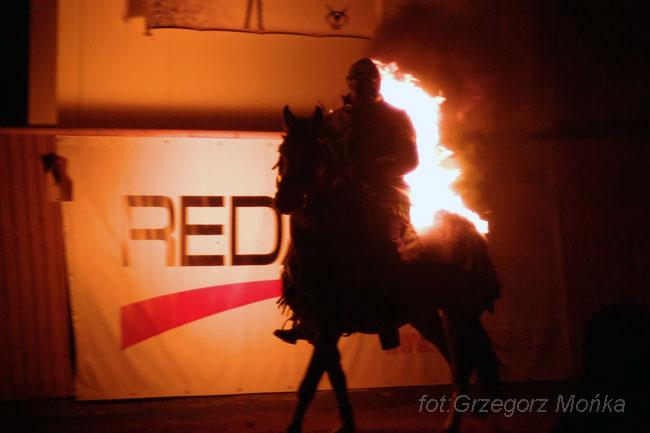Pokaz płonących koni, fot. Grzegorz Mońka