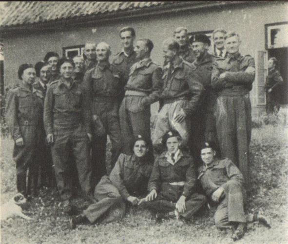 Pracownicy oddziału Nettelau, 1945, fot. archiwum