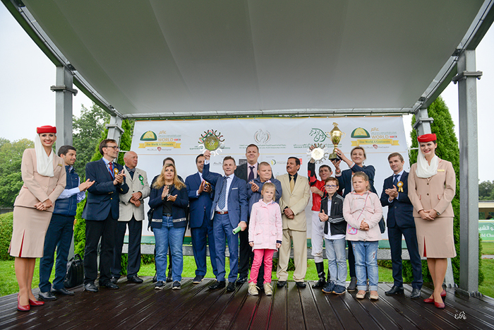 The owners of the Czorty Stud during decoration of Shannon Queen, by Ewa Imielska-Hebda