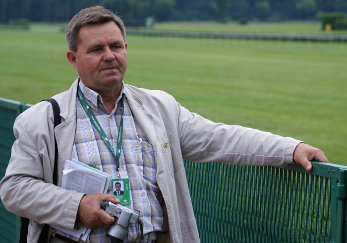 Władysław Guziuk, the director of Polska AKF, at the Służewiec racetrack. By Krzysztof Dużyński