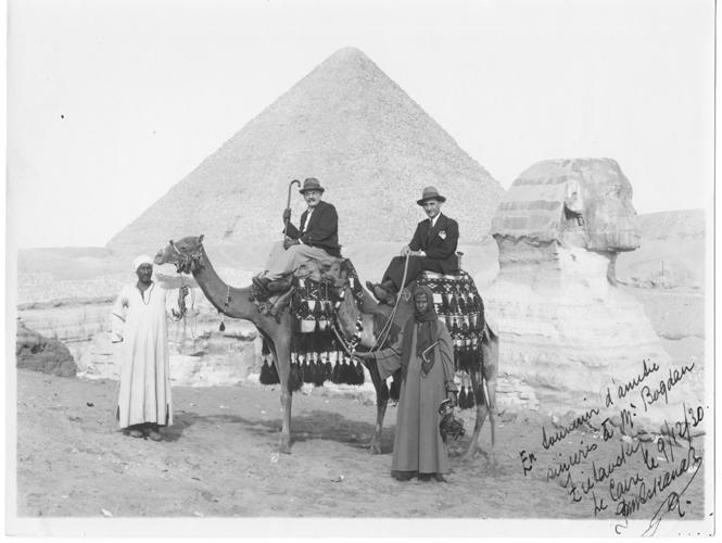 Bogdan Ziętarski near Cairo (09.12.1930). Photo form Mrs. Agnieszka Mikulska's collection