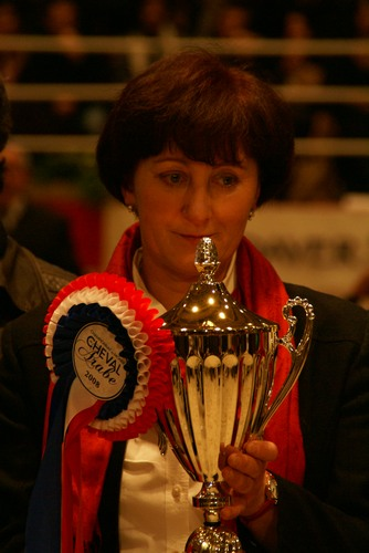 Anna Stefaniuk (Janów Podlaski Stud) with Pianissima's cup, by Krzysztof Dużyński