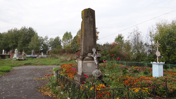 Jarczowce. The grave of the Dzieduszycki family. By Krzysztof Czarnota
