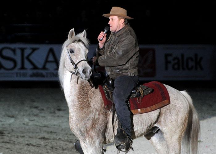 Daniel Olbrychski na koniu arabskim Cudny, fot. Zofia Szuster