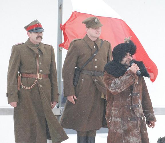 Mistrz ceremonii Krzysztof Czarnota wita przybyłych gości. Fot. Mateusz Jaworski