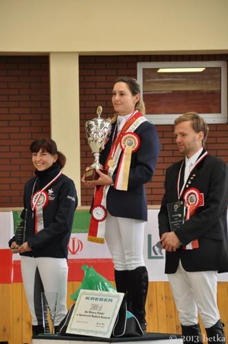 Podium: Dorota Krzywicka, Joanna Zarzecka i Maciej Kacprzyk, fot. Betka