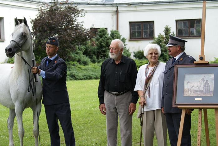 Between the portrait of Mlecha (by Juliusz Kossak) and Hekla: Professor Andrzej Strumiłło, Mrs. Izabella Pawelec-Zawadzka and Dr. Marek Trela. By Krzysztof Dużyński