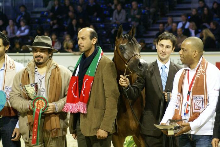 Najdah A Zobair with her owners from Al Zobair Stud (UAE). By Krzysztof Dużyński