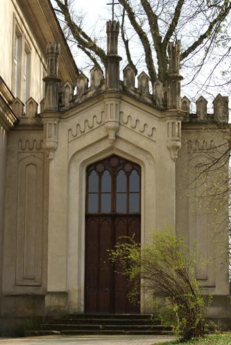 Wejście do kaplicy pałacowej. Fot. Krzysztof Dużyński