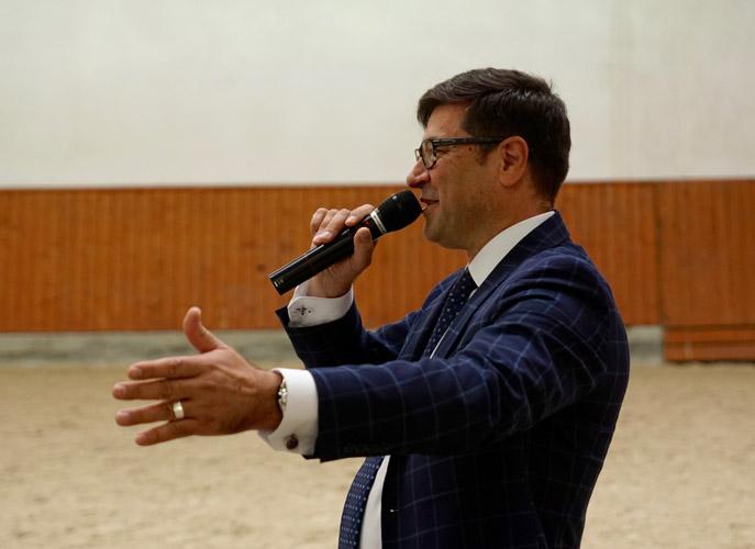 President of Michałów Stud Maciej Paweł Grzechnik conducted the auction. By Krzysztof Dużyński