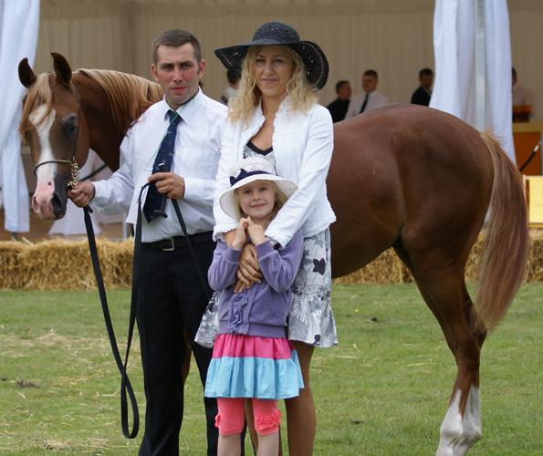 Primo del Prince z właścicielką Elą Tarczyńską i Elizką oraz z Szymonem Głowackim, fot. Monika Luft