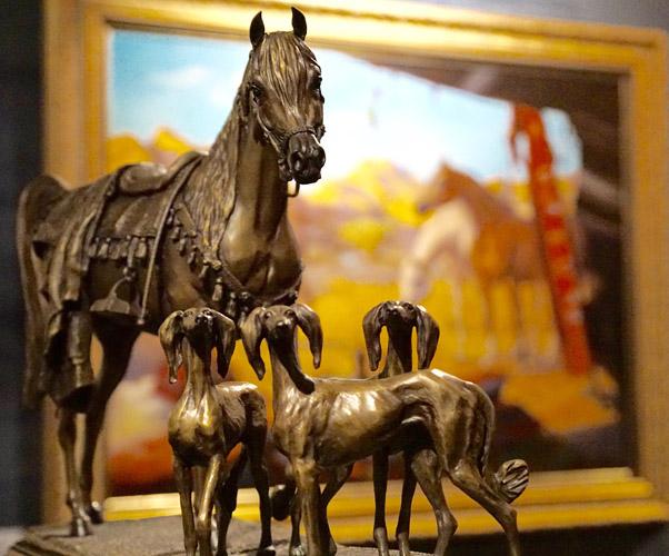 Jedna z rzeźb Karen Kasper, prezentowanych na wystawie w Dammamie, fot. Monika Luft