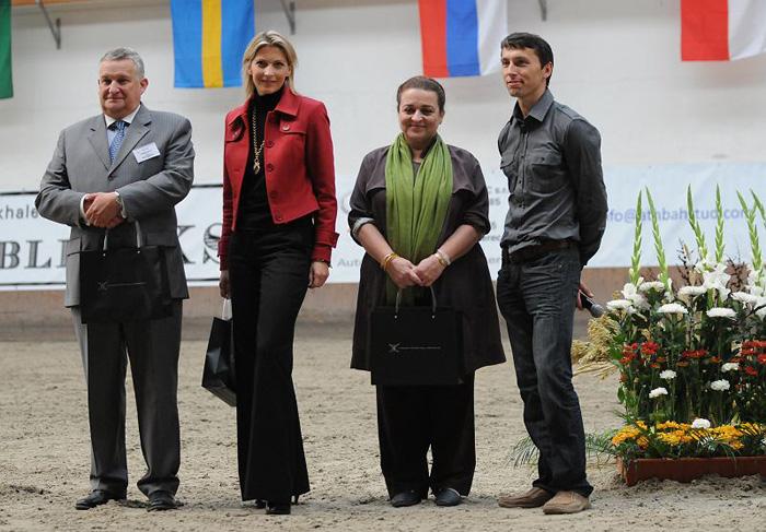 Sędziowie Narodowego Czempionatu Czech z Jaroslavem Laciną. Fot. Sylwia Iłenda