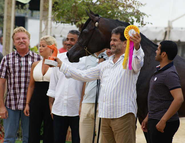Sultan Al Zobara with his happy owner Ali Bin Abdulla Al Misnad, by Monika Luft