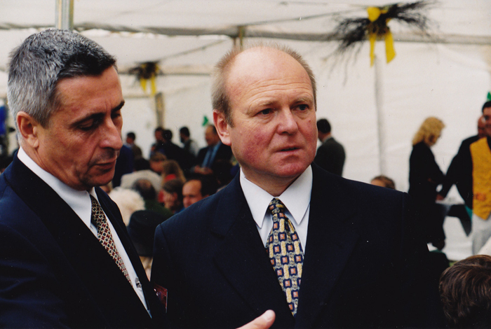 Marek Grzybowski ze wspólnikiem Radosławem Wiszniowskim, lata 90. Fot. z archiwum Marka Grzybowskiego