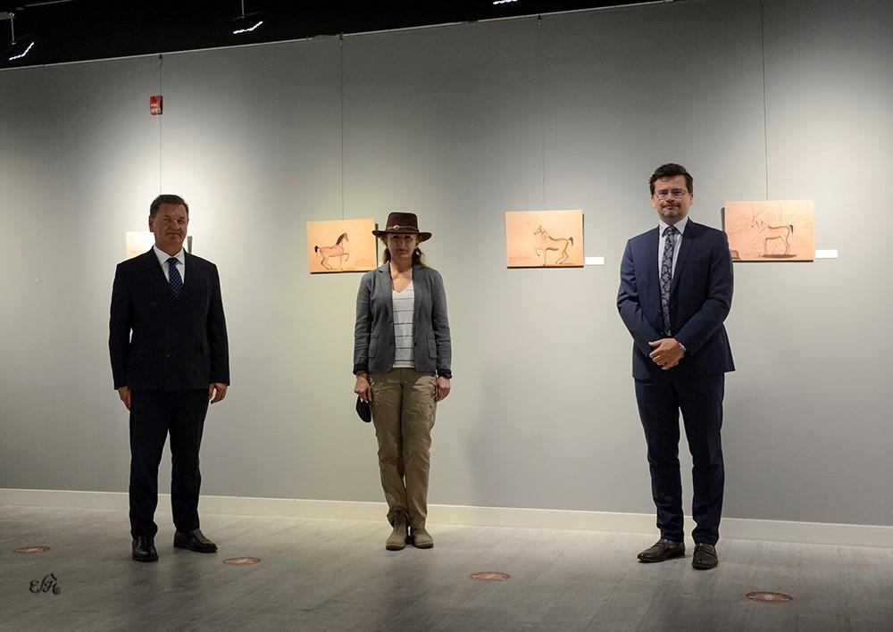 Od lewej: Janusz Janke - ambasador RP w Katarze, Hanna Sztuka - przedstawiciel portalu polskiearaby.com, Tomasz Sadziński - konsul, kierownik referatu ds. polityczno-ekonomicznych Ambasady RP w Katarze