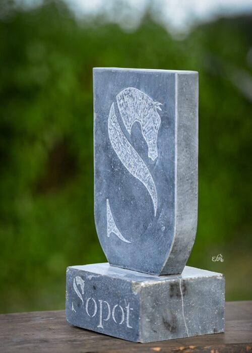 Statuetki dla zwycięzców, fot. Ewa Imielska-Hebda
