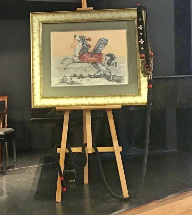 Obraz autorstwa malarza Michała Siemińskiego z wizerunkiem konia husarskiego na podstawie ryciny Georga Eimarta z 1678 roku, fot. Hanna Sztuka